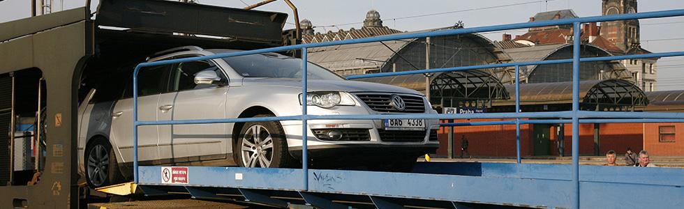 vykládka auta v Praze